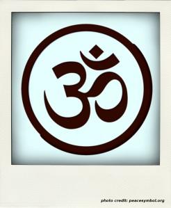 aum_om_simbolo_symbol_yoga_namaste_peace_gray_11-1979px-pola